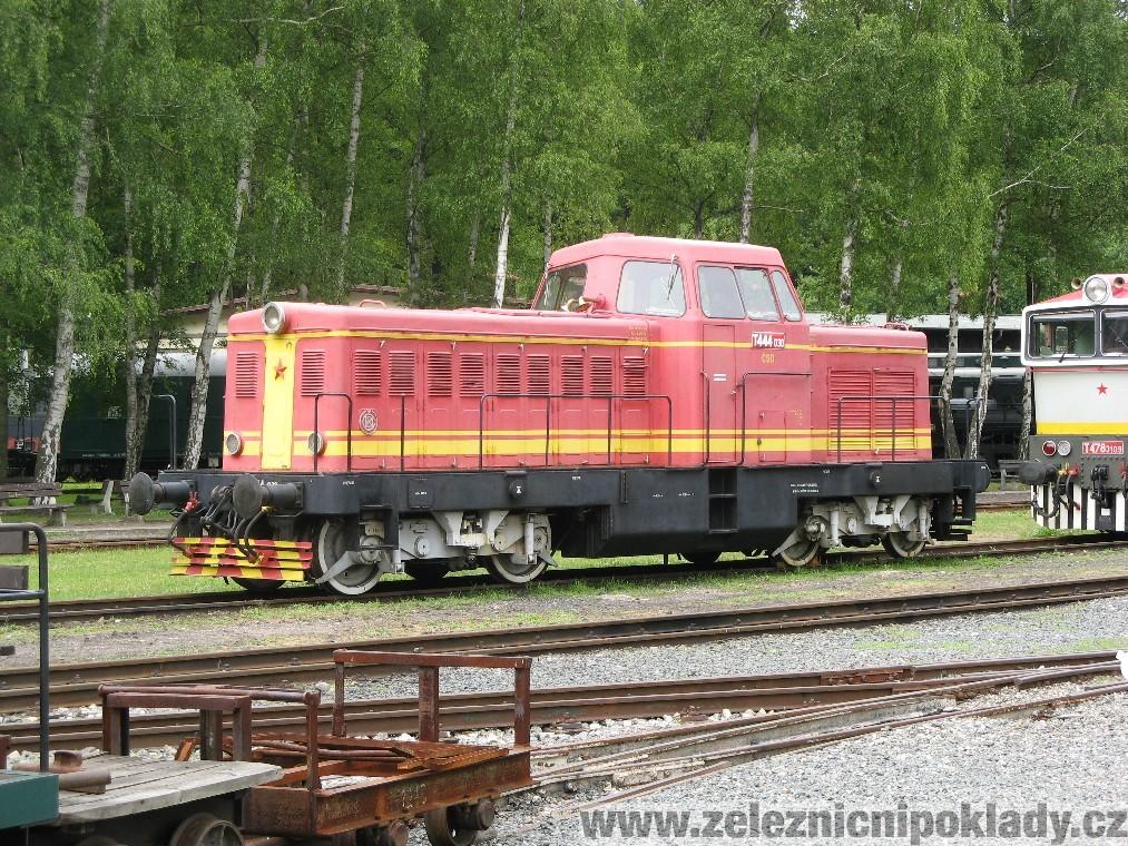 T 444.0, T444.0, řada 725