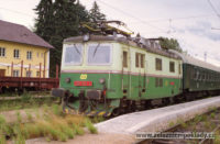 100 003-3, E 422.002 Rybník foto©Jaroslav Cempírek  24.8.1998  os20908